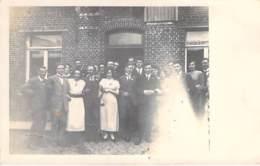 ** CARTE PHOTO 1923 ** BELGIQUE Belgium (Espières)  HELCHIN Photo De Groupe Famille à Déterminer ( Prénom Marguerite ) - Spiere-Helkijn