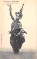 ASIE Asia - CAMBODGE Cambodia - PNOM PENH : Danse Par Une Danseuse Royale - CPA - Kambodscha Cambodgia Cambodja - Cambodia