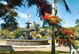 1 AK Insel Reunion * Fontaine Das Les Jardins In Saint-Pierre * Übersee-Departement Von Frankreich - IRIS - Karte 6051 - Reunion
