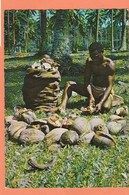 NOUVELLES HEBRIDES - COUPEUR DE COPRAH EN TRAVAIL DANS EFATE - TIMBRE N° 265 - Vanuatu