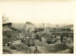 150519B - PHOTO GUERRE 1914 18 MILITARIA - 02 NEUVILLE SUR MARGIVAL Grottes Ruines Cachettes Militaires Soldat - France