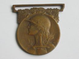 Décoration Militaire  Médaille Commémorative De La Guerre 1914-1918  ***** EN ACHAT IMMEDIAT **** - France