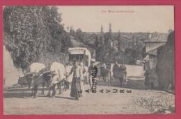 31 - MONTREJEAU---Jour De Foire--En Montant La Cote---attelage De Boeufs--animé - Montréjeau