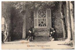 Audierne : Le Vieil Autel Des Capucins - Audierne