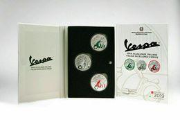 Italie 2019 : 5€ 'Vespa' Verte + Blanche + Rouge (en Coffret BU - 1.000 Exemplaires) - Disponible En France - Italie