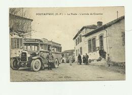 65 - POUYASTRUC - TOP CP - La Poste Arrivée Du Courrier Gros Plan Animé Autobus Bon état - Pouyastruc