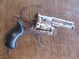 ANCIEN REVOLVER à BROCHE  7mm - Armas De Colección
