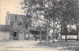 94 - LE PLESSIS TREVISE : Place Gambetta ( Bon Plan Restaurant - Attelage ) CPA - Val De Marne - Le Plessis Trevise