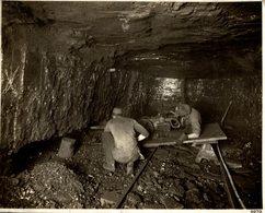 MINERS MINAS UNDERCUTTING COAL IN A MINE MINING MINES  23 *18 CM Fonds Victor FORBIN 1864-1947 - Profesiones