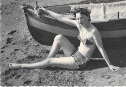 PIN UP Vintage - Original FRANCE 50-60's - CPSM Dentelée GF N° 17 - Coll. BATH GIRLS Sexy Nude Seins Nus Ou Bikini - Pin-Ups