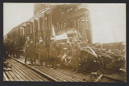 TREINONGEVAL * MILITAIREN * ACCIDENT TRAIN * SOLDATS * CARTE PHOTO * FOTOKAART * PLAATS TE BEPALEN * A DETERMINER - Trains