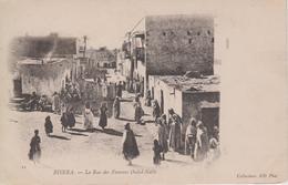 CPA  Précurseur Biskra - La Rue Des Femmes Ouled-Nails (jolie Scène) - Biskra