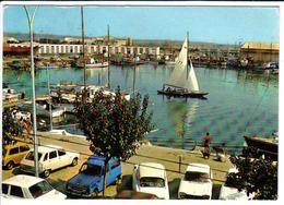 RENAULT 4, CITROEN DS, à Port La Nouvelle (11) - Voitures De Tourisme