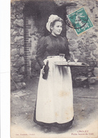 CPA 49 @ CHOLET - Petite Bonne De Café (vers 1904) Serveuse Un Coup De Vin ? - Cholet