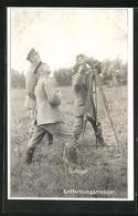 AK Drei Soldaten In Uniformen Mit Entfernungsmesser - Oorlog 1914-18