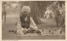 PC54349 A Hakim. Native Doctor. Thacker. No 52. B. Hopkins - Cartes Postales