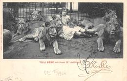 Tilli Bébé Mit Ihren 12 Lieblingen Lions - Cirque