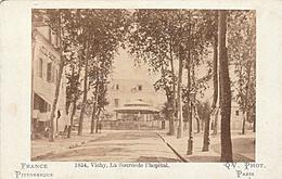 PHOTO CDV 19 EME VICHY LA SOURCE DE L' HOPITAL  CABINET MARTINET à PARIS - Ancianas (antes De 1900)