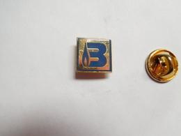 Beau Pin's En EGF , Lettre B , Robinetterie Industrielle Pour Le Gaz , Romilly Sur Andelle , Signé Briffault SA - Pin's