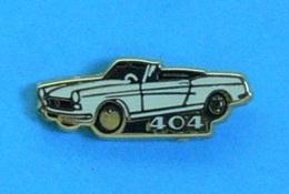 1 PIN'S  //  ** MYTHIQUE 404 PEUGEOT CABRIOLET ** . (Helium Paris) - Peugeot