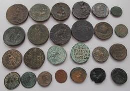 Antike: Lot Von 25 Antiken Bronzemünzen; Davon 24 Stück Aus Der Römischen Kaiserzeit Sowie 1 X Bronz - Antiche