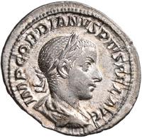 Antike: Römische Kaiserzeit, Gordianus III. 238-244: Lot 9 Münzen; 1 X Sesterz, 1 X AS, 6 X Antonini - Antiche