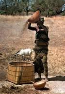 CPM - Près De KOUDOUGOU - Geste Quotidien - Burkina Faso