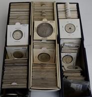 Alle Welt: Ein Lot Mit Geschätzt über 200 Münzen Aus Aller Welt, Dabei Einige Silbermünzen, überwieg - Münzen
