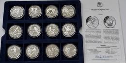 China - Volksrepublik: Lot 12 Münzen A 10 Yuan 1990-1995 Mit Sportmotiven / Olympia, Dabei KM# 300, - China