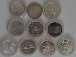 Slowakei: Lot 10 Gedekmünzen 1993-1997. 1 X 100 Sk Sowie 9 X 200 Sk. - Slovakia