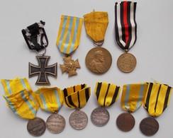 Orden & Ehrenzeichen: Sachsen, Erinnerungskreuz 1866 Am Kämpferband; Friedrich August Medaille Je 2x - Coins