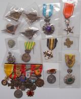 Orden & Ehrenzeichen: Lot 13 Orden / Ehrenzeichen Und Eine Ordensspange (9 Abzeichen), überwiegend A - Coins