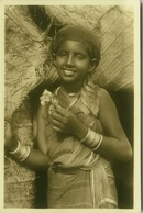 AFRICA - SOMALIA - YOUNG WOMAN WITH FLOWERS - EDIZ. ARTISTICHE FOTO CINE - MOGADISCIO - 1920s (BG3376) - Somalia