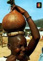 CPM - RWANDA - Femme Avec Calebasse De Bière - Rwanda