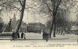 BRIVE  Place Thiers Et Monument Aux Morts RV - Brive La Gaillarde