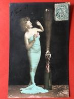 1907 - DAME IN SMALLE JURK ONTKURKT EEN FLES CHAMPAGNE - FEMME JUPE ETROITE DEBOUCHANT UNE BOUTEILLE DE CHAMPAGNE - Femmes