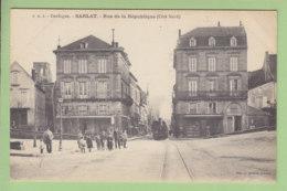 SARLAT : Train, Rue De La République, Côté Nord. 2 Scans. Edition Daudrix - Sarlat La Caneda