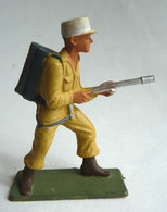 SOLDAT FIGURINE FIG STARLUX 1958 SOLDAT LEGIONNAIRE LANCE-FLAMME 5082 Socle Vert Kaki - Starlux