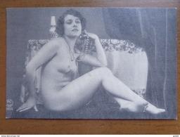 Doos Kaarten (3kg230) Allerlei Landen & Thema's, Ook Veel Oude Zwart Wit Kaarten (zie Foto's) - Postcards