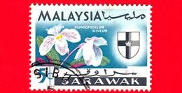 MALESIA - MALAYSIA - Usato - SARAVAK - 1965 - Fiori - Orchidee - Paphiopedilum Niveum - Stemmi Araldici - 5 - Malaysia (1964-...)