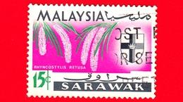 MALESIA - MALAYSIA - Usato - SARAVAK - 1965 - Fiori - Orchidee - Rhyncostylis Retusa - Stemmi Araldici - 15 - Malesia (1964-...)
