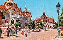 The Royal Grand Palace   Chakri    Timbre Au Dos  Voir  Scan - Thailand