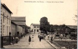 52 VAUX SUR BLAISE - L'avenue De La Gare Et L'usine - Autres Communes