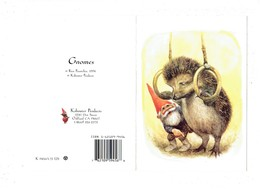 Double Cp Illustration Poortvliet R. GNOMES 1994 Nain Lutin Hérisson Sport Gymnastique Anneaux Champignon Flûte (au Dos) - Cuentos, Fabulas Y Leyendas