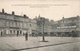 51 Sainte Menehould La Place D' Austerlitz Et La Cooperative Militaire Installée Pendant La Guerre Cpa Carte Animée - Sainte-Menehould