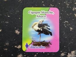 MAGNET PETIT ECOLIER CIGOGNE BLANCHE OISEAU ECHASSIER ALSACE - Publicitaires