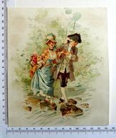 CHROMO    LITHOGRAPHIE CARTONNÉE....GRAND FORMAT...COUPLE ROMANTIQUE  QUI TRAVERSE UNE RIVIÈRE AU GUÉ - Old Paper
