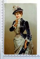 CHROMO    LITHOGRAPHIE ....GRAND FORMAT...FEMME ÉLÉGANTE...GANTS ...DENTELLES ...CHAPEAU - Old Paper