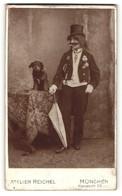Fotografie Atelier Reichel, München, Person In Humorist Angeklebtem Bart Und Hund, Clown - Professions