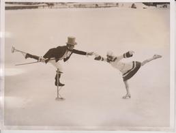 SWISS  ST MORITS SWITZERLAND FANCY SKATING   20 *15 CM Fonds Victor FORBIN 1864-1947 - Deportes
